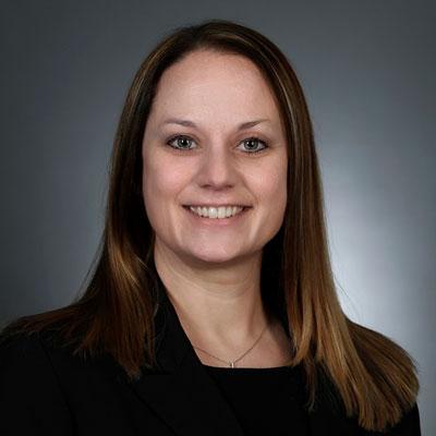 Lisa Eikenburg, Manager